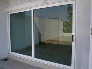 Puerta en aluminio 11