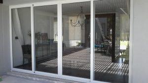 Puerta en aluminio 15