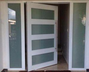 Puerta en aluminio 5